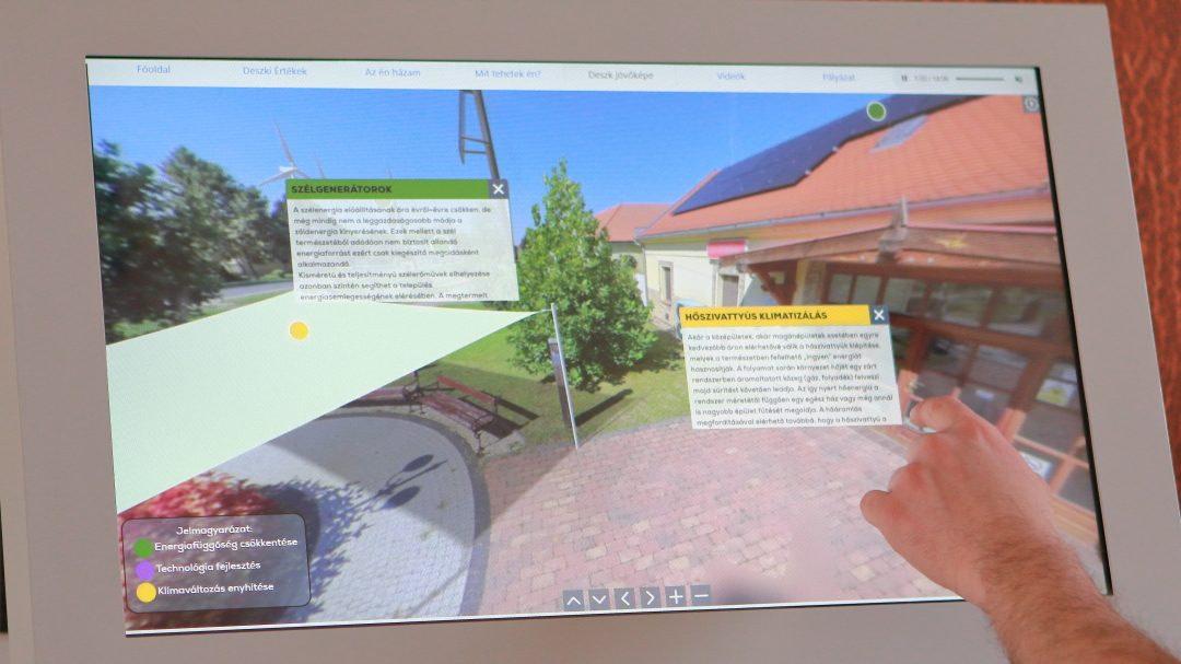 Deszk interactive console panorama picture